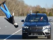 BMW X1 pasa vergüenza en prueba de detección de peatones de la IIHS