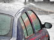 Recomendaciones para manejar bajo la lluvia