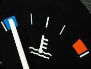 ¿Se debe calentar el motor del carro?