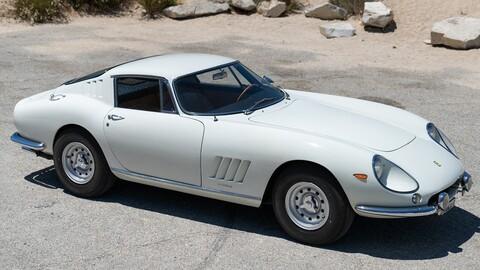 Ferrari 275 GTB 1966, el auto más caro vendido por Internet