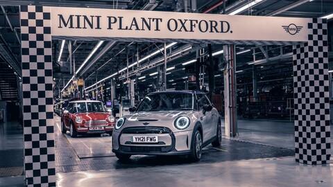 BMW Group cumple 20 años fabricando los autos de MINI en las plantas Oxford y Swindon