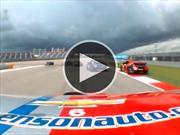 Video: Le fallan los frenos en plena carrera