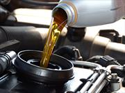 ¿Por qué y cuándo debo cambiar el aceite del auto?