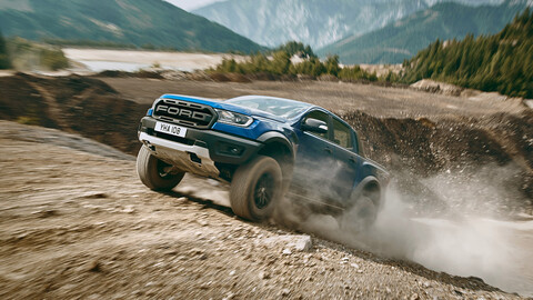 Ford lanza la Ranger Raptor en Europa con una exhibición de nivel