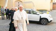 El nuevo Papamóvil es un Duster