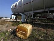 Desabasto de gasolina perjudica a la industria automotriz en México