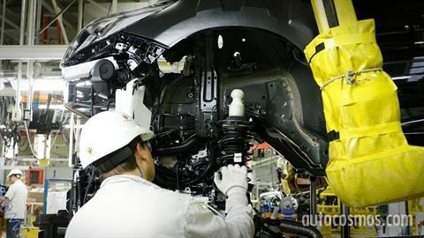 Reabren las fábricas automotrices pero con protocolos especiales