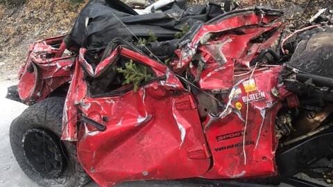 Un Jeep Wrangler cayó por un barranco: así quedó