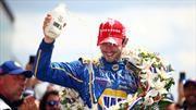 Por qué los pilotos ganadores de las 500 Millas de Indianapolis festejan la victoria con leche