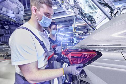 Audi Q4 e-tron, el primer SUV eléctrico de la marca ya se fabrica en Alemania