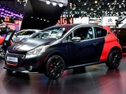 El Peugeot 208 GTi 30th ve las luces de París