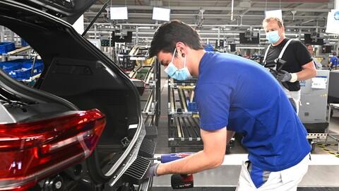 La industria automotriz europea espera despedir a 100.000 trabajadores en 2021