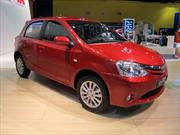 Toyota Etios desembarca en el Salón de BA 2013
