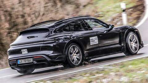 Porsche Taycan Cross Turismo: A punto de salir al asfalto (y también a la tierra)