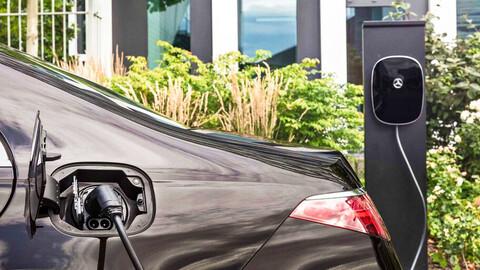 Mercedes-Benz no quiere saber nada con los híbridos