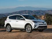 Toyota le da un fuerte golpe a Honda