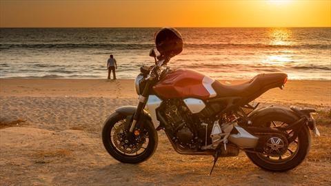 Probamos la Honda CB1000R a lo largo de 2,000 Km
