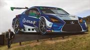Lexus armó una megaescultura del RC F GT3 para Laguna Seca