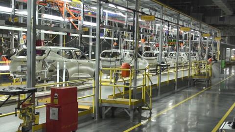 General Motors se prepara para producir autos eléctricos en México