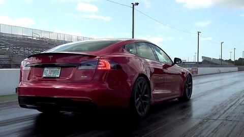 Tesla Model S Plaid es el auto de producción masiva más rápido en el cuarto de milla