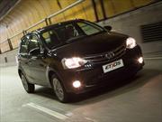 Toyota Etios Platinum llega al mercado argentino