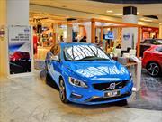 Volvo Chile exhibe línea R-Design en Parque Arauco