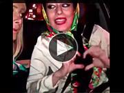 Video: Terrible accidente de dos cantantes distraídas