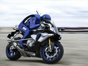 Yamaha desarrolla un robot motociclista