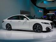 Toyota Crown Concept es un señorial sedán deportivo
