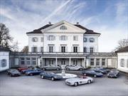 Una docena de autos clásicos abandonados en un castillo suizo