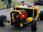 Un Hot Rod de Lego a escala real que funciona con aire comprimido