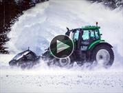 Video: Un tractor autónomo rompe un récord en la nieve