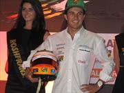 Checo Pérez visita México, tras conseguir un podio en el GP de Bahrein