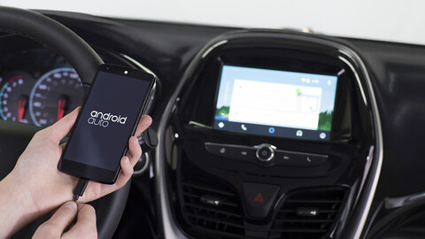 ¿Es verdad que Android Auto muere con Android 12?