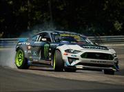 Video: Vaughn Gittin Jr. engoma todo Nurburgring drifteando en su Mustang RTR
