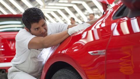 Volkswagen México aumenta el salario de sus trabajadores para no llegar a huelga