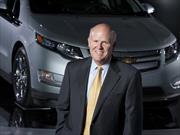 Dan Akerson se retira como CEO de GM