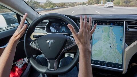 Autopilot de Tesla vuelve más distraídos a los conductores