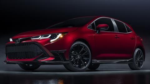 Toyota Corolla Hatchback Special Edition 2021 imita en lo estético al Volkswagen Golf GTI