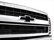 Chevrolet Silverado Chasis Cab 2019 ahora incorpora el emblema del Camaro