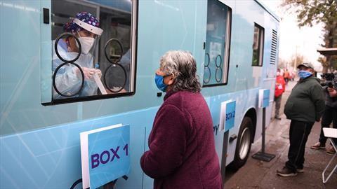 Foton, Enel X y la Facultad de Medicina de la UC, montan laboratorio móvil en un bus eléctrico