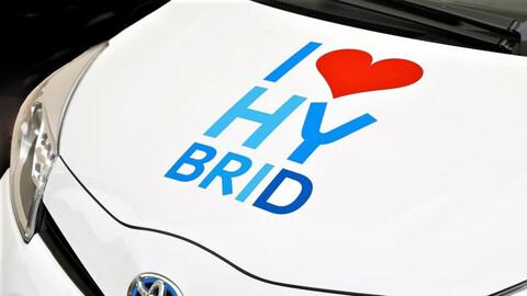 ¿Qué tan caros salen los repuestos de los vehículos híbridos más vendidos en Colombia?