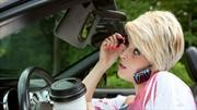 ¿Qué hacen los automovilistas (que no deberían hacer) mientras están al volante?