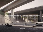 Video: Anuncio brutal de NHTSA para reducir el manejo distraído