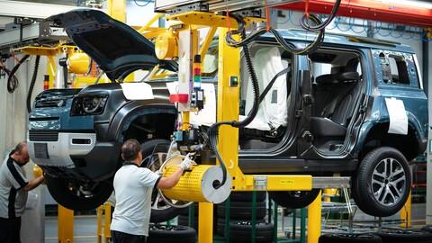 Por la falta de chips, la producción de autos en Reino Unido cayó a su nivel más bajo desde 1956