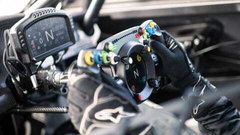 Conocé a este volante que podés usar en un auto de competición y también en la PC