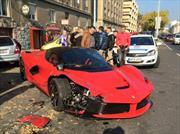 Chocan un Ferrarri LaFerrari en Budapest