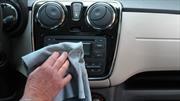 Cuál es el mejor producto para limpiar el interior de un automóvil