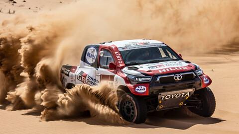 Toyota vuelve al Dakar con la nueva Hilux