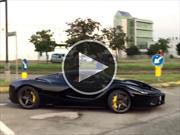 Video: Una Ferrari LaFerrari se salvó por nada de tener un accidente